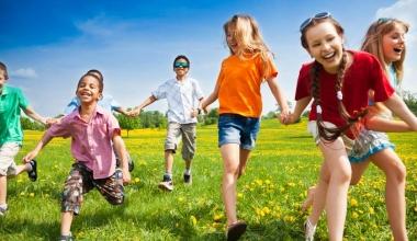Cum încorporezi mai mult timp liber în programul copiilor tăi?
