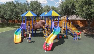 Sfaturi pentru îmbunătățirea locurilor de joacă în școli